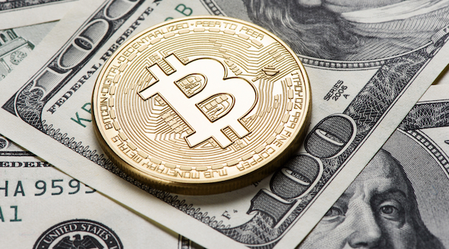 Bitcoin Falls 4.3%, Slipping Below $9,000 for First Time in Two Weeks